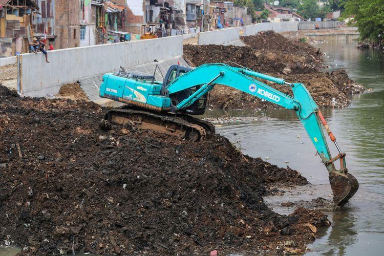 Photo of DKI Masih Upaya Bebaskan Lahan untuk Normalisasi Sungai