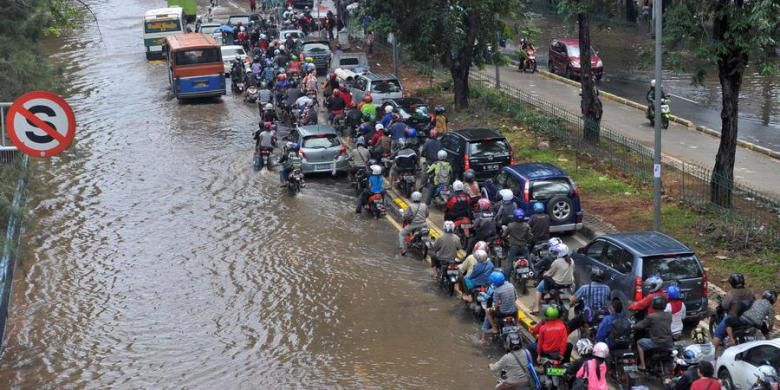Photo of Sempat Dikurangi, Anggaran Penanganan Banjir DKI Akhirnya Ditambah Rp 356 Miliar
