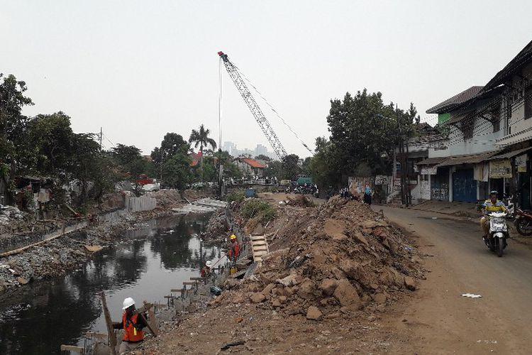 Photo of Mandeknya Normalisasi Sungai dan Ancaman Banjir Jakarta