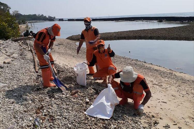 Photo of 7 Pulau di Kepulauan Seribu Tercemar Minyak Mentah Pertamina