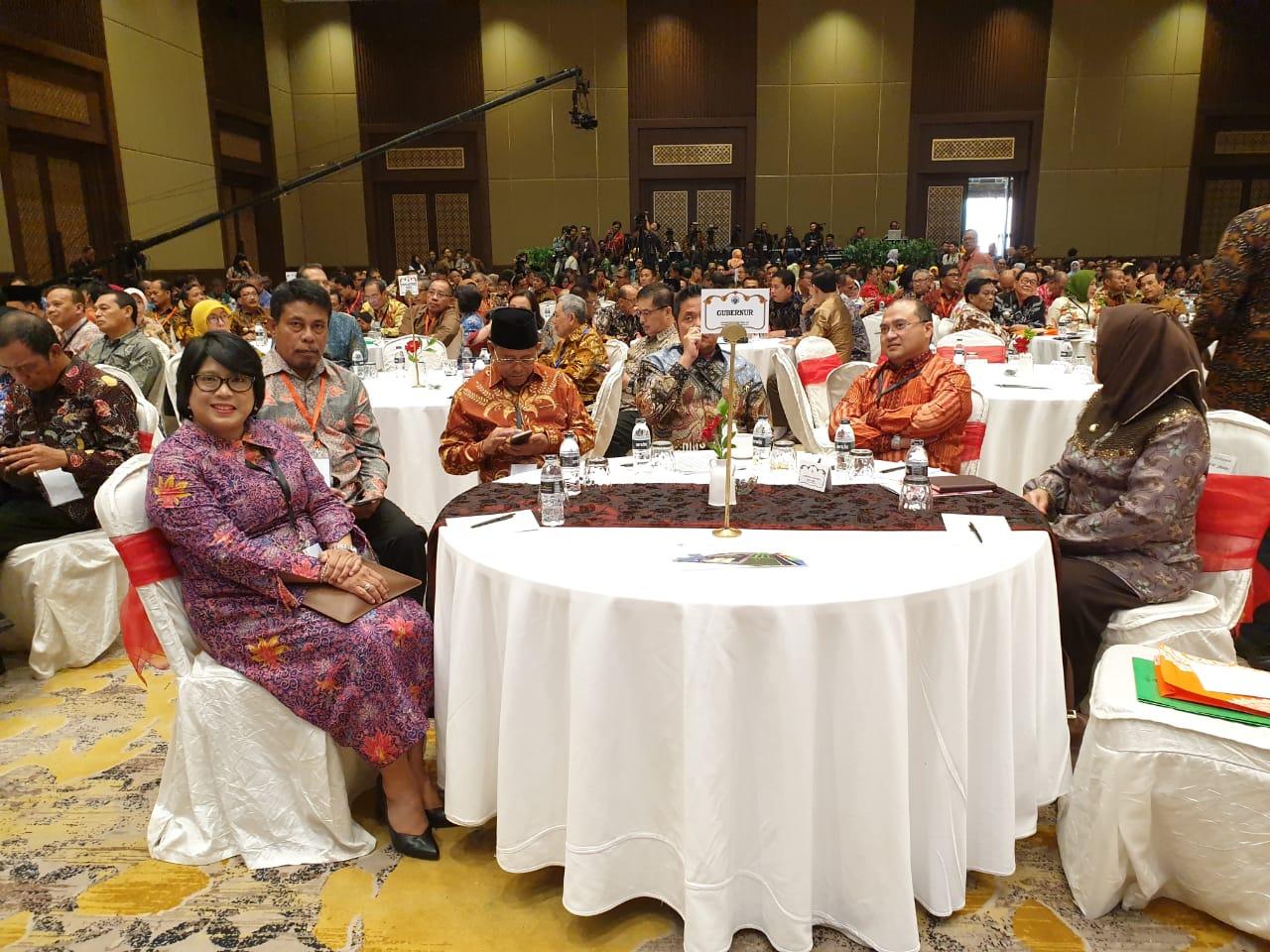 """Photo of Menghadiri Acara Rakornas Transmigrasi Tahun 2019 dengan Tema """"Revitalisasi Pembangunan Ekonomi Kawasan Transmigrasi 4.0"""""""