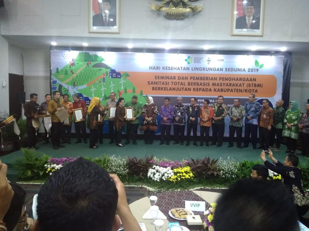 Photo of Seminar dan Pemberian Penghargaan Sanitasi Total Berbasis Masyarakat (STBM) Berkelanjutan di Kementerian Kesehatan RI